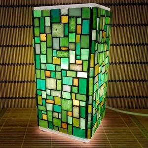 Üvegmozaik lámpa - zöld-sárga szögletes, Művészet, Más művészeti ág, Mozaik, Mindenmás, Üvegmozaik asztali lámpa\n\nNégyzethasáb alakú lámpatestre készült a motívum  kézzel vágott spektrum ü..., Meska