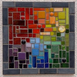 Színes absztrakt - üvegmozaik falikép, Otthon & Lakás, Dekoráció, Falra akasztható dekor, Mozaik, Mindenmás, Üvegmozaik falikép akasztóval\n\nMérete: kb. 20*20\n\nFestett fa alapra ragasztottam fel a motívumot üve..., Meska