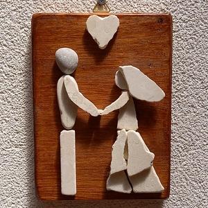Esküvő - kavicskép , Esküvő, Emlék & Ajándék, Nászajándék, Mozaik, Mindenmás, Lazúrral kezelt fenyőfa lapra kavicsok felragasztásával készült falikép akasztóval. \nRomantikus, egy..., Meska