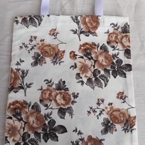 Rózsa mintás vászonszatyor, NoWaste, Bevásárló zsákok, zacskók , Textilek, Varrás, Rózsa mintás vászonból készült szatyor.  Hossza: 40 cm Szélessége: 30 cm Füle: 44 cm, mely fehér he..., Meska