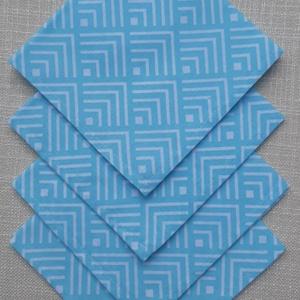 Világoskék geometriamintás textilszalvéta , NoWaste, Textilek, Otthon & lakás, Konyhafelszerelés, Varrás, Világoskék geometriamintás textilszalvéta \n\nMérete: 27X27 cm\n\nAz ár 4 darab szalvétára vonatkozik.\n\n..., Meska