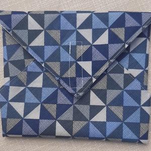 Öko szendvics csomagoló, NoWaste, Textilek, Textil tároló, Varrás, Kék geometriai mintás, tépőzáras szendvicscsomagoló szalvéta helyett. Belseje PUL-ból keszült, letör..., Meska