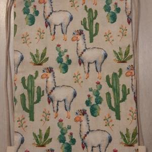 Lámás-kaktuszos hátizsák - sulisoknak, ovisoknak, Játék & Gyerek, Ovis zsák & Ovis szett, Ovis tornazsák, Varrás, Lámás-kaktuszos hátizsák, mely vastagabb vászonyból készült, pamutzsinórral.\n\nMéretei:\nszélessége: 2..., Meska