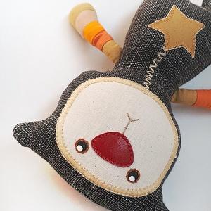 Szkafanderes törpemacska (narancs csíkos cica), Gyerek & játék, Gyerekszoba, Játék, Baba, babaház, Baba-és bábkészítés, Varrás, Barátságos, ámbár komoly törpemacska ajánlja magát.\n20 cm magas teste puha textilből készült és poli..., Meska