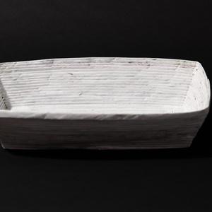 Fehér hosszúkás tároló, asztal közép díszekhez, Otthon & lakás, Dekoráció, Természetes és újrahasznosított  anyagokból létrehozott tároló amelyet hallássérült emberek készítet..., Meska
