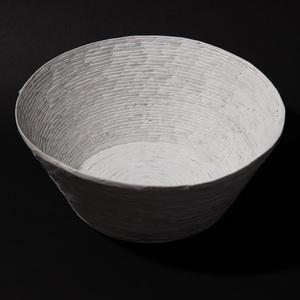 Fehér tál, Otthon & lakás, Dekoráció, Természetes és újrahasznosított  anyagokból létrehozott tároló amelyet hallássérült emberek készítet..., Meska