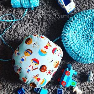 SuperHero Puff - (S-es méret), Gyerek & játék, Baba-mama kellék, Gyerekszoba, Gyerekbútor, Horgolás, Varrás, Gyerek Puff Szuperhősös töltött párnával!\nPárnának, ülőkének, támasztéknak, csak a képzelet szab hat..., Meska