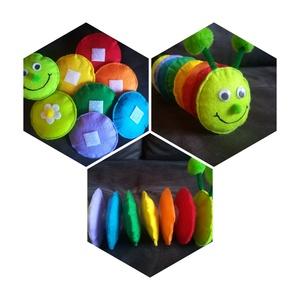 Szivárvány-kukac, Játék, Gyerek & játék, Készségfejlesztő játék, Játékfigura, Varrás, 8 darabból álló színes kukac, melynek darabjai tépőzárral illeszthetők össze.\nA körök átmérője 8 cm,..., Meska