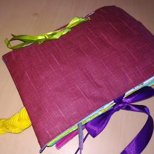Készségfejlesztő textil könyvecske LÁNYOS, Készségfejlesztő, 3 éves kor alattiaknak, Játék & Gyerek, Patchwork, foltvarrás, Varrás, Készségfejlesztő textil baba/kisgyermek könyv, ügyesíti a kis kezeket, tanít okosít.\n9 oldalas, pate..., Meska