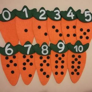 Számolóka - répás, Készségfejlesztő & Logikai játék, Játék & Gyerek, Varrás, 14 cm magas répák, számlálni tanít 10-es számkörben. A levelek pici tépőzárral tapadnak a répákhoz. ..., Meska