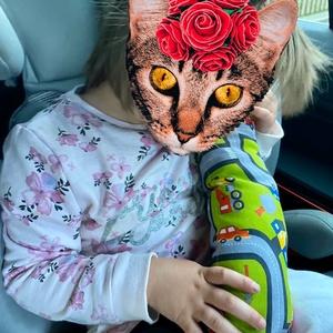 Biztonsági öv párna, Védőhuzat, 3 éves kor alattiaknak, Játék & Gyerek, Varrás, Strapabíró pamutvászonból varrtam gyermekek számára ezt a pántra helyezhető párnát. \n\n40 cm hosszú, ..., Meska