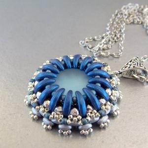 Kékség - gyöngy hímzett medál. (Muttery) - Meska.hu