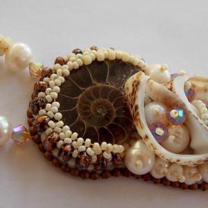 A tenger gyümölcse --- gyöngy hímzett nyaklánc (Muttery) - Meska.hu