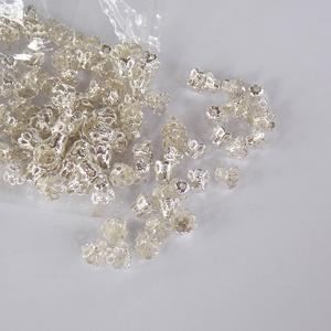 Mini csipkés gyöngykupak, Gyöngy, ékszerkellék, Egyéb alkatrész, Mini, apró ezüst színű csipke mintás gyöngykupakok. Méret: 5mm X 6mm, Meska