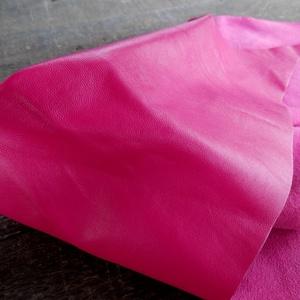 Magenta pink   báránybőr , Gyöngy, ékszerkellék, Egyéb alkatrész, A bőrök olaszországból származnak. Fantasztikusan szépek,könnyen varrhatók kézzel . /Kipróbálva!/ Va..., Meska