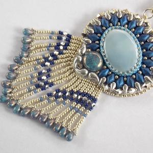 Laguna- gyöngy hímzett nyaklánc, Ékszer, Nyaklánc, Medálos nyaklánc, Ékszerkészítés, Gyöngyfűzés, gyöngyhímzés, Fantasztikusan szép kék opál ásványkővel  készült ez a nyaklánc. \n\nA fűzött láncrész 48 cm hosszú. /..., Meska