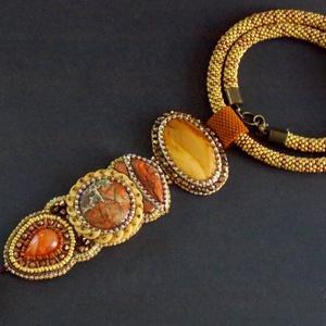 Safari  -gyöngy hímzett, gyöngy horgolt  nyaklánc, Ékszer, Nyaklánc, Gyöngyös nyaklác, Ékszerkészítés, Gyöngyfűzés, gyöngyhímzés, Meska