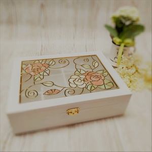 Vintage  ékszertartó doboz  Rózsa mintával, Ékszerdoboz, Ékszertartó, Ékszer, Üvegművészet, Rózsa mintával készítettem ezt a díszdobozt. Egyedi kézműves termék, amely tökéletes ajándék szerett..., Meska