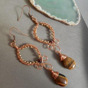 Tigisszem-arany fülbevaló-Akció!, Ékszer, Fülbevaló, Ékszerkészítés, Fémmegmunkálás, Hosszú fülbevalót készítettem ezüstözött rézdrótból arany színű kásagyöngyből és tigrisszem ásványgo..., Meska