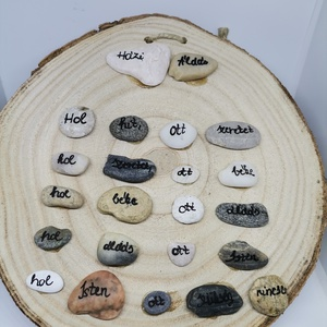 Házi áldás, Otthon & Lakás, Dekoráció, Kép & Falikép, Mindenmás, \nSaját kezűleg készített kavics képem, mely fa szeletre készült. A házi áldás szövege olvasható a ké..., Meska