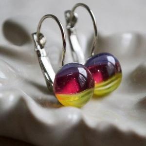 Lila-citrom-pink üveggolyó francia kapcsos üveg fülbevaló, Ékszer, Fülbevaló, Táska, Divat & Szépség, Ékszerkészítés, Üvegművészet, Enyhén csíkozott lila, citromsárga és áttetsző mély pink üvegdarabokból áll a fülbevaló, melyeket ap..., Meska