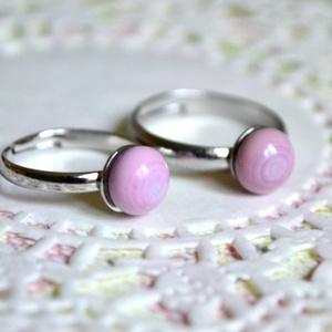 Porcelánrózsaszín anya-lánya gyűrű, Szoliter gyűrű, Gyűrű, Ékszer, Ékszerkészítés, Üvegművészet, A kisméretű, visszafogott ékszerek kedvelőinek készül elsősorban a Pötty kollekció.\n\nEzek az ékszere..., Meska