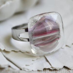Ködfátyol - üveg gyűrű, Statement gyűrű, Gyűrű, Ékszer, Ékszerkészítés, Üvegművészet, Szürke és rózsaszín csíkos üvegből készült gyűrű. Különleges mintája miatt egyedi ékszer, melyből eg..., Meska