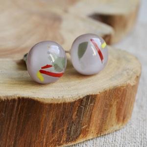 Lila mintás stiftes üveg fülbevaló , Ékszer, Halvány lila, mintás üvegből készült, kemencében olvasztott stiftes fülbevaló.  Mérete: 1,1 cm. Nikk..., Meska