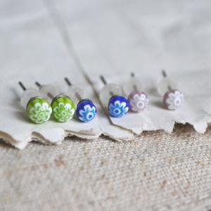 Millefiori fülbevaló csomag, Ékszer, Fülbevaló, Pötty fülbevaló, Ékszerkészítés, Üvegművészet, 3 pár pici Millefiori fülbevaló alkotja a csomagot, halvány lila, sötétkék és világoszöld színekben...., Meska