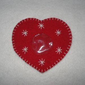 Karácsonyi pénzátadó szív, Karácsony, Ajándékkísérő, Hímzés, Varrás, Vannak akik karácsonyra pénzt adnak, hogy az a megajándékozott azt vegyen rajta, amit szeretne. \nEz ..., Meska