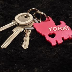 Egyedi, névre szóló kutyás kulcstartó, Táska & Tok, Kulcstartó & Táskadísz, Kulcstartó, Mindenmás, Megrendelésre készítek 3D nyomtatott kutyasziluettes kulcstartókat, melyek környezetbarát műanyagból..., Meska