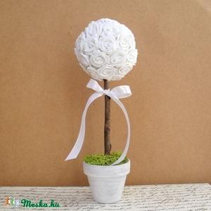 Fehér rózsafa - rendelhető - esküvő, asztali dísz, dekoráció, Esküvő, Asztaldísz, Dekoráció, Egyenként, kézzel készült papírrózsákból álló saját tervezésű dekorációs fa. Nem létezik belőle két ..., Meska