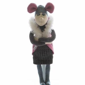 Egérjelmezes manó - textiljáték, Dekoráció, Otthon & lakás, Játék, Gyerek & játék, Játékfigura, Plüssállat, rongyjáték, Baba-és bábkészítés, Varrás, Kb 40 cm, gyapjúfilcből készült figura. Tömőanyaga poliészter, a ruhája pamut, pamutvászon, pamutfon..., Meska