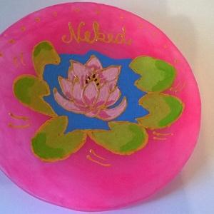 Fényhozó rózsaszín dísz tányér, Konyhai dísz, Konyhafelszerelés, Otthon & Lakás, Festészet, Festett tárgyak, Fényhozó rózsaszín dísz tányér egy harmonikus színvilágú, lótusz virággal díszített, világítós rózsa..., Meska
