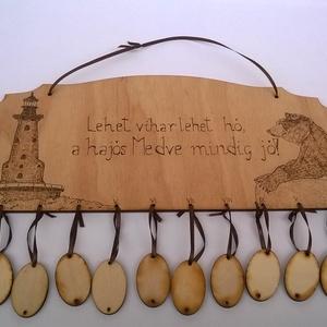 Hajós medve naptár, Falinaptár & Öröknaptár, Dekoráció, Otthon & Lakás, Famegmunkálás, Gravírozás, pirográfia, Hajós medve naptár egy dekoratív fali naptár amely egyedi megrendelésre készült.Pirográf technikával..., Meska