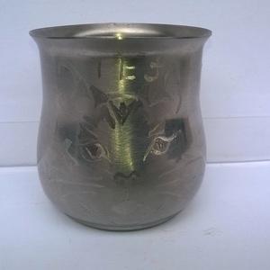 Cicás fém pohár, Dekoráció, Otthon & lakás, Konyhafelszerelés, Bögre, csésze, Fémmegmunkálás, Gravírozás, pirográfia, Cicás fém pohár egy kedves megrendelőnek készült, de örömmel elkészítem újra.Fém pohár 7 cm × 7 cm g..., Meska