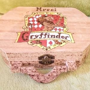 Harry Potter-es doboz, Társasjáték & Puzzle, Játék & Gyerek, Gravírozás, pirográfia, Festészet, Harry Potter-es doboz egy igaz rajongónak készült, de örömmel elkészítem újra. Pirográf technikával ..., Meska