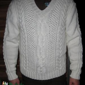 Elegáns férfi pulóver, Pulóver, Férfi ruha, Ruha & Divat, Kötés, Ezt a tört fehér V kivágású ír mintás  pulóvert vejemnek kötöttem, de annyira tetszett, hogy készíte..., Meska
