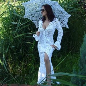 Menyasszonyi  ruha a csipkék varázslatában, Alkalmi ruha & Estélyi ruha, Női ruha, Ruha & Divat, Horgolás, Egyedi megrendelésre készült ez a csodálatos 100% pamut uszályos ruha.\n\nKiegészítőként az esernyőt i..., Meska