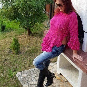 Gésa pulcsi, Pulóver & Kardigán, Női ruha, Ruha & Divat, Horgolás, 100% pamutból horgoltam ezt a különleges pulcsi egy átküldött kép alapján.\n\nFazonja miatt S-M-L mére..., Meska