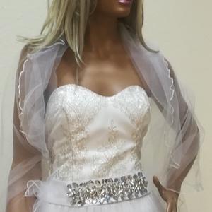 Menyasszonyi ruha, Esküvő, Menyasszonyi ruha, Táska, Divat & Szépség, Esküvői ruha, Ruha, divat, Varrás, Menyasszonyi ruha.Hímzett fényezés csipke,és tüll diszítőkkel.\nVariálható különböző színű fűzővel,tü..., Meska