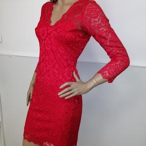 Csipke ruha piros, Ruha, Női ruha, Ruha & Divat, Varrás, \nTrendi -elegáns -nőies.\nGyönyörű rugalmas csipke.\nKellemes lágy anyagból.\nEnyhén karcsusított szabá..., Meska