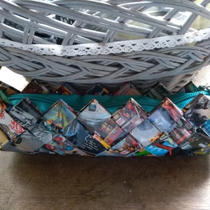 tolltartó egyedi kivitelben, Tolltartó & Ceruzatekercs, Papír írószer, Otthon & Lakás, Újrahasznosított alapanyagból készült termékek, Tolltartó egyedi kivitelben, maya technikával hajtogatott papír katalógusból, impregnálva., Meska