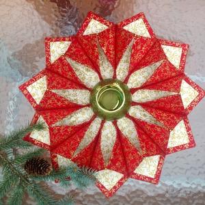 Karácsonyi textíl koszorú, gyertyatartó, Dekoráció, Otthon & lakás, Ünnepi dekoráció, Karácsony, Koszorú, Lakberendezés, Varrás, Patchwork, foltvarrás, Aranymintás pamutvászonból készítettem ezt a gyertyatartó koszorút a karácsonyi asztalra.\nÁtmérője 4..., Meska