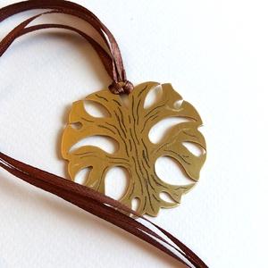 Tűzzománc - sárgaréz fülbevaló díszdobozban - türkizkék és arany színek.