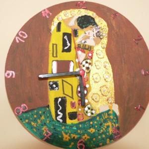 falióra, Otthon & Lakás, Dekoráció, Falra akasztható dekor, Festett tárgyak, Festészet, Csodás ajándék lehet anyák napjára,névnapra,szülinapra ez a szép falióra..\nGustav Klimt  Csók című k..., Meska