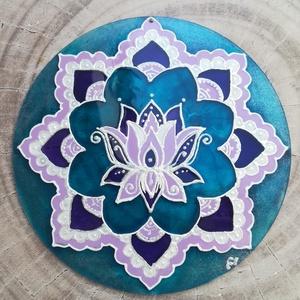 Lótusz Mandala, Otthon & Lakás, Dekoráció, Mandala, Festett tárgyak, 15 centiméteres plexi alapra készült Lótusz Mandala. A termék mindkét oldala festett, ablakba akaszt..., Meska