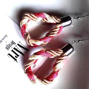 Twister Rosa design fülbevaló, Ékszer, Fülbevaló, Lógó csepp fülbevaló, Ékszerkészítés, Fonás (csuhé, gyékény, stb.), Magenta, vanília s beige fülbevaló zsinórból és paracord textilből, ezüst szìnű dróttal átszőve.Nagy..., Meska