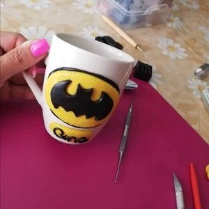Batman bögre, Egyéb, Gyurma, Ékszergyurmából készült,kézzel formázva a bögrère.Mindennapi használatra alkalmas.Kèzi mosogatásra...., Meska