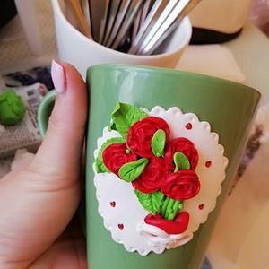 Rózsás bögre , Egyéb, Gyurma, Egyedi kézzel készített rózsás bögre ékszergyurmából. Mindennapi használatra alkalmas. Csak kézi mos..., Meska